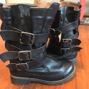 Shoes - Black Moto buckle boots